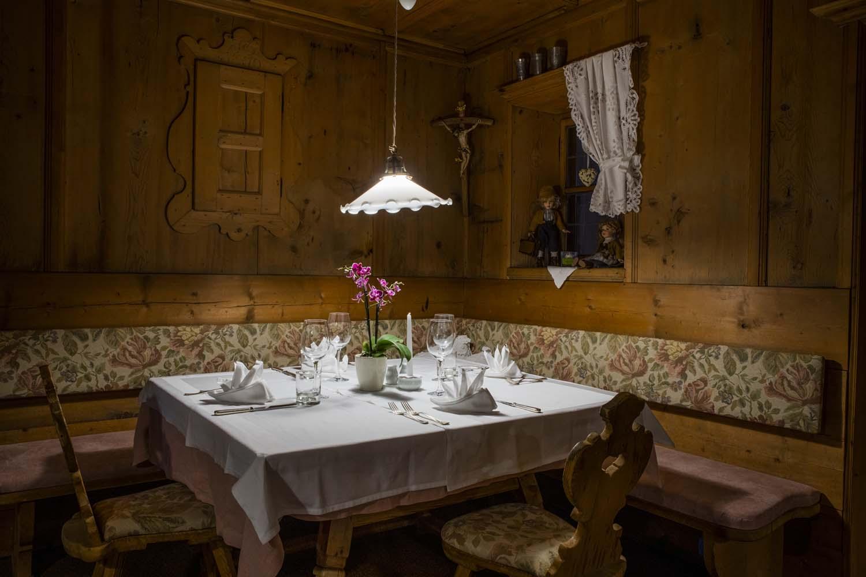 weingarten-restaurant-stube-ecke